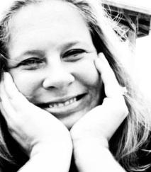 Chelsea Camaraon author